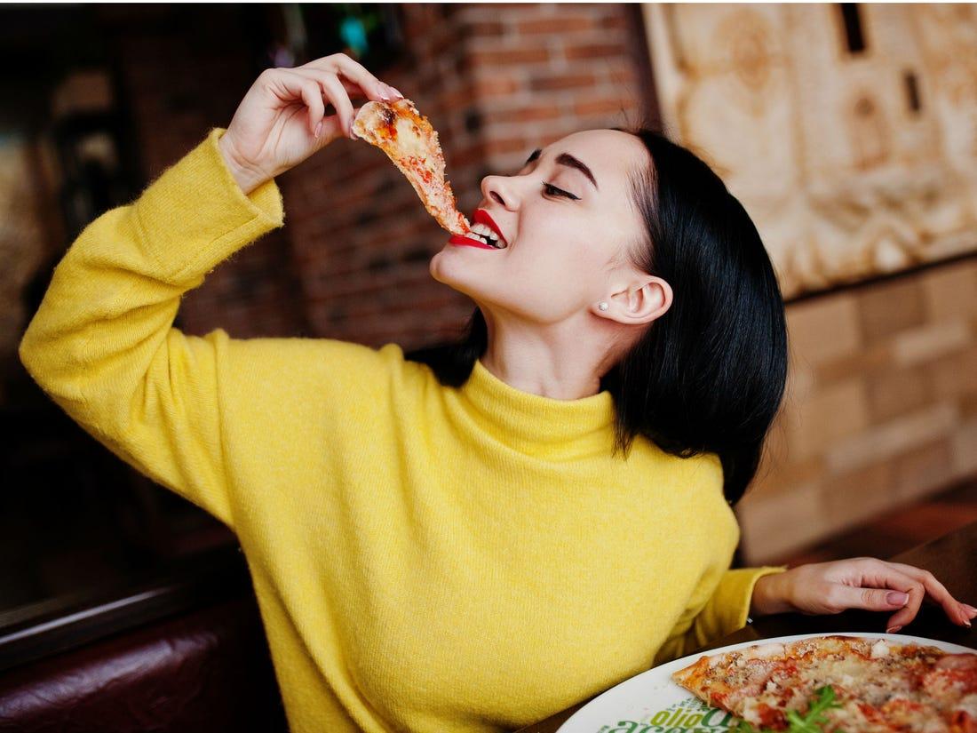 อาหารที่ไม่มีประโยชน์จะทำให้เราอ้วนง่ายขึ้น